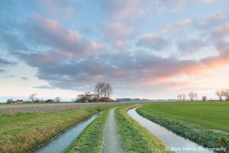 Look behind you - Ezinge, Groningen, NL
